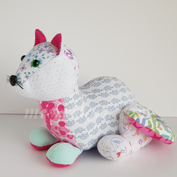 laying down cat sewing pattern